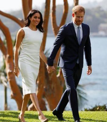 Prince Harry & Meghan Markle's Body Language After Their Pregnancy Announcement Is So Cute