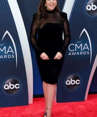Our Favourite Looks on the 2018 CMA Awards Red Carpet