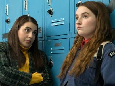 Booksmart Review: A New & Hilarious Spin On High School Comedies