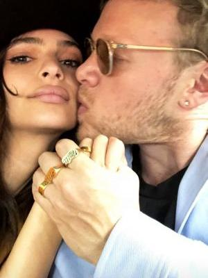 Emily Ratajkowski Ties the Knot in a Surprise Courthouse Wedding
