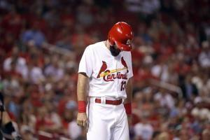 Cardinals' Matt Carpenter hit by pitch, leaves game