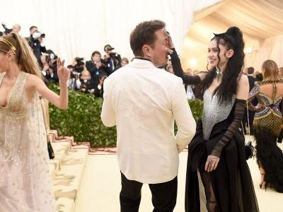 Elon Musk and his girlfriend Grimes could be on the rocks - here's a look inside their relationship and how it all started