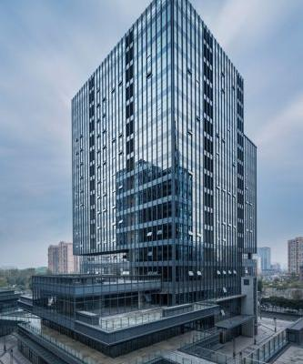Chengdu Wanhe Center / CHALLENGE DESIGN