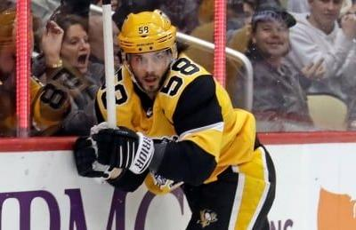 Penguins jump out early to top Lightning