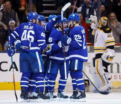 Maple Leafs beat Bruins 4-3 for 9th straight home win