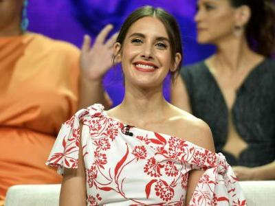 Alison Brie Just Changed Our Minds About Off-the-Shoulder Necklines in Carolina Herrera