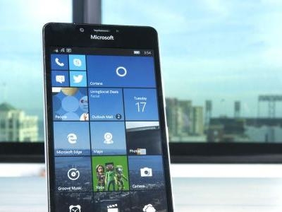 Microsoft tells users to switch to iOS or Android as Windows Phone set for obsoletion
