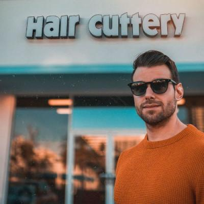 Popular Hairstyle and Beard Combinations