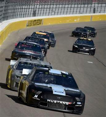 NASCAR drivers, teams learn tons from Las Vegas test