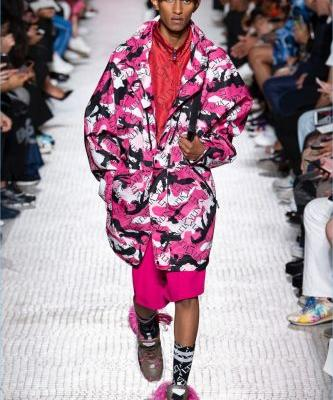 Valentino Makes a Logo Play with Spring '19 Collection