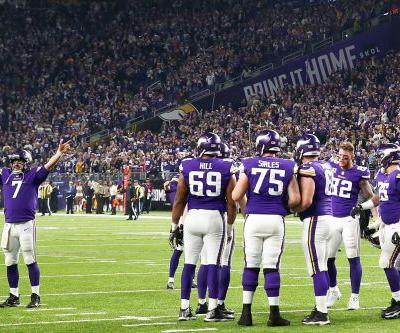 Bettors' fortunes swung big on wild Vikings-Saints finale