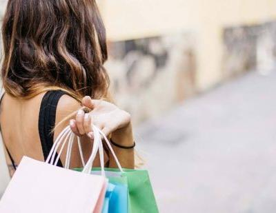 US consumers to spend an average of 554.90 US dollars during Thanksgiving weekend