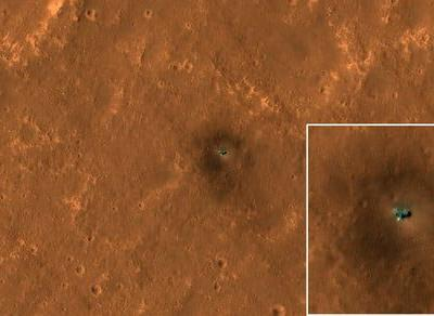 See both of NASA's explorers, Curiosity and InSight, on the surface of Mars