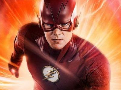 First Official Look At The Flash's New Costume From Season 5