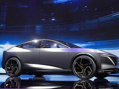 The Detroit Auto Show has SUVs and horsepower on full display, but electric cars are pushed to the sidelines
