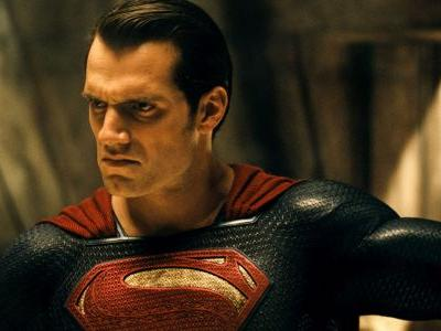 Zack Snyder Reveals Why Superman is Evil in BvS' Knightmare Scene