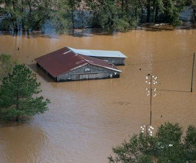 Here's How To Donate To Victims Of Hurricane Florence, Because This Is Serious
