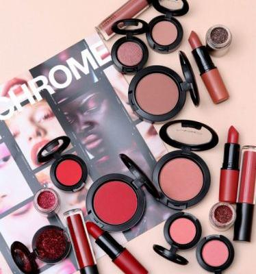NEWNESS: The MAC In Monochrome Color Collections