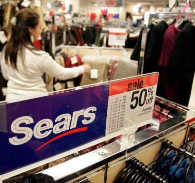 Sears' clearance sales will be full of steep discounts, but one key uncertainty could keep shoppers from biting
