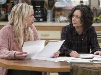 Without Roseanne, 'The Conners' Go On