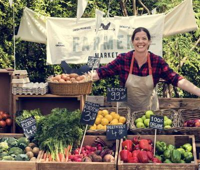 Is Eating Local Food From a Farmer's Market Better for Your Health?