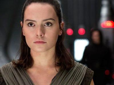 Crushingly Plausible 'Star Wars: Episode 9' Theory Unmasks Rey's Parents