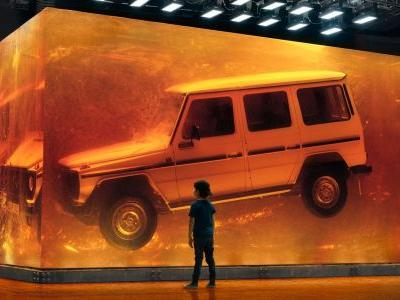 Mercedes-Benz Encased A 1979 G-Class In Amber At The Detroit Show