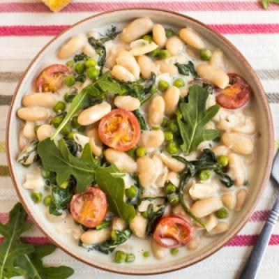 Creamy white beans with goat cheese