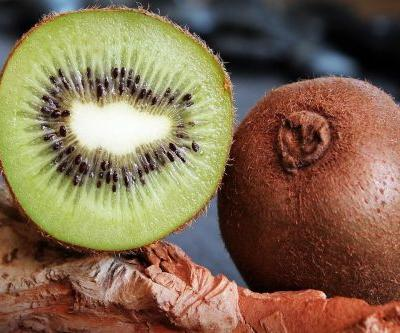 10 Natural Ingredients That Help Even Out Skin Tone