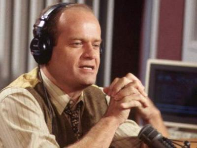 Kelsey Grammer Lends His Voice To Arrow's 150th Episode