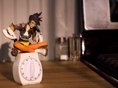 Tracer Celebrates Overwatch Anniversary With Stop-Motion Video