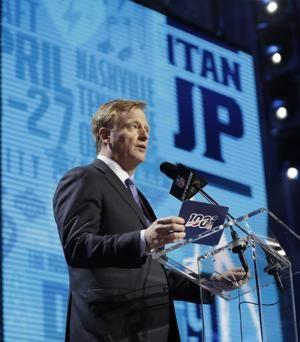 Browns don't make trade, sit out first round of NFL draft