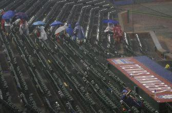 Beltre shines as Rangers top M's 8-3 in rain-shortened game