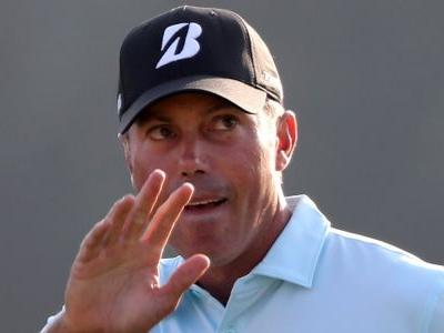 Matt Kuchar backpedals in caddie-tipping controversy and will pay $50,000 after widespread criticism