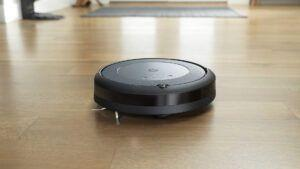 IRobot's mid-range robot vacuums are on sale for Black Friday