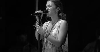 Lauren Daigle Sings 'You Say' 3 Years After It Changed Her Life