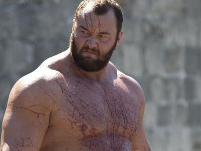 Watch Game Of Thrones' The Mountain Read Valentine's Day Poems Shirtless