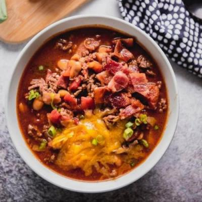 Slow Cooker Maple Bacon Chili