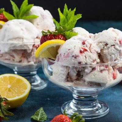 No-churn strawberry lemon ice cream