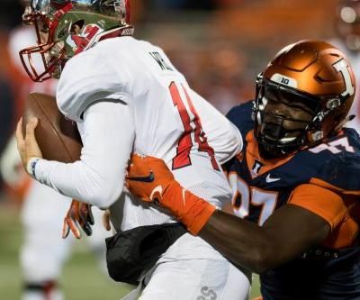 Bobby Roundtree, Illinois star, suffers severe spinal injury in swimming accident