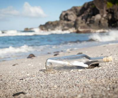 Search for British author of 50-year-old message in a bottle found in Australia