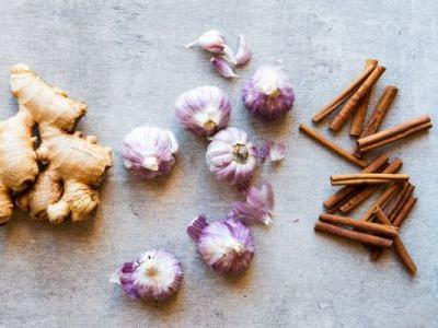These 5 Herbs & Spices Will Give Your Meals A Healthy Boost Of Flavor