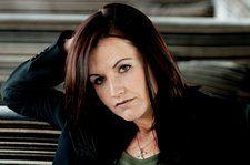 Music Stars Pay Tribute to Cranberries Singer Dolores O'Riordan