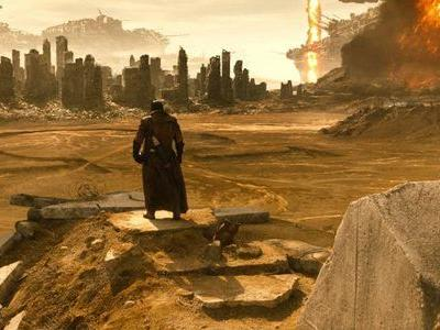 Zack Snyder Explains 'Batman v Superman' Knightmare Scene, Teasing a Version of Events That Probably Won't Happen