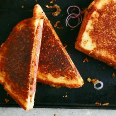 Hot Dog Grilled Cheese Sandwiches