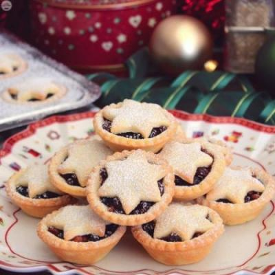Star-Topped Fruit Mince Pies