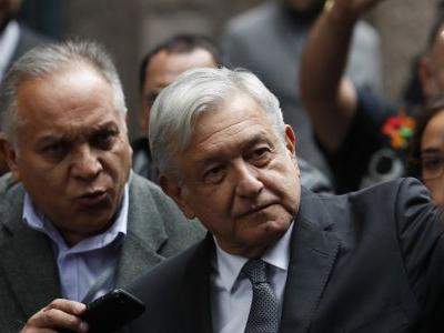 Mexico's president, judiciary in standoff over pay
