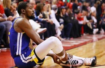 Warriors' Durant leaves Game 5 after appearing to re-injure leg