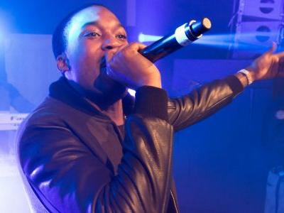 76ers owner says he's picking up Meek Mill from prison