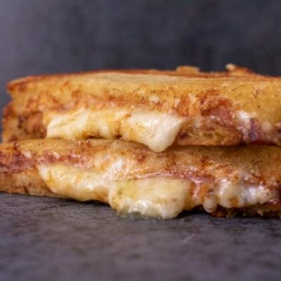 3 cheese grilled cheese